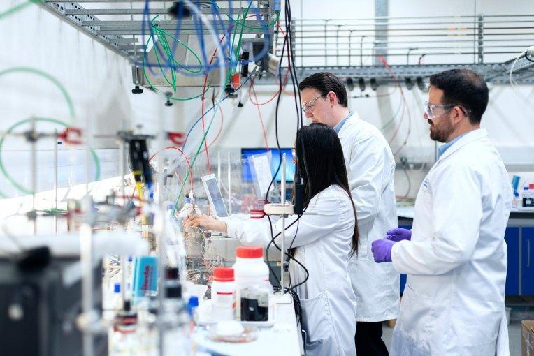 Chemistry lab research team