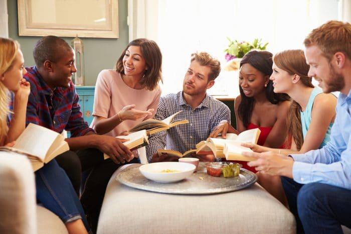 Book club meeting to discuss a novel