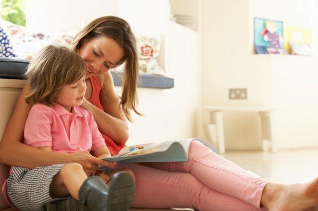 Usborne VIP group customer reading to a child